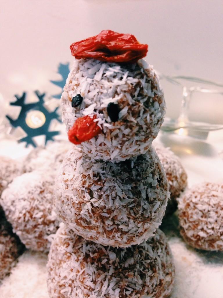 Per questa versione natalizia le ho decorate con del cocco grattugiato e bacche di goji.